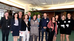 Une équipe InterLingua Events : interprètes de conférence, technicien et hôtesses